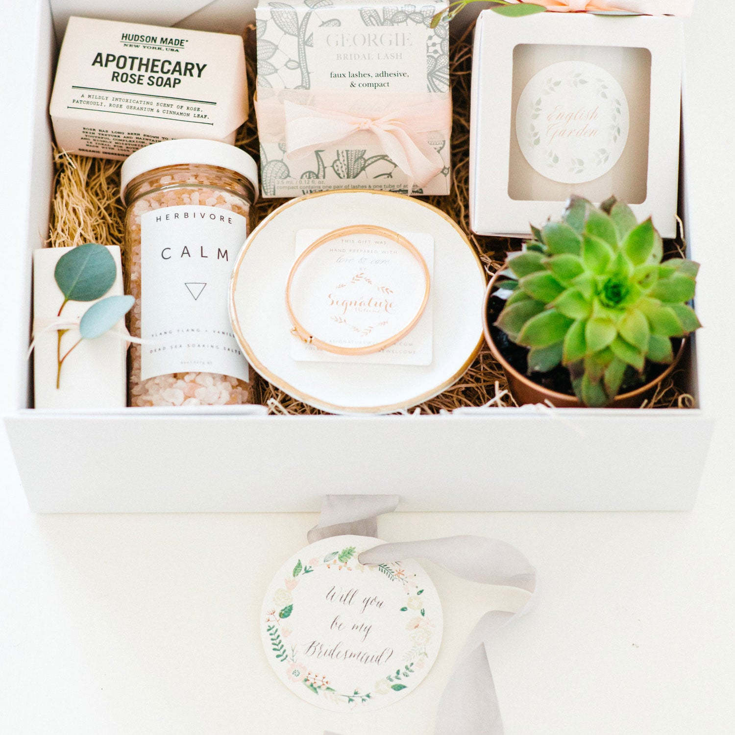 d9fd54fb8180 6 TIPS FOR YOUR BRIDESMAID GIFTS - A Signature Welcome