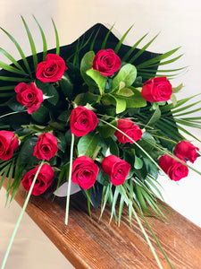 LOLA 12 RED ROSES