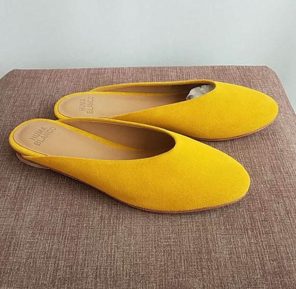 NWT Huma Blanco Roma Suede Slip on in Amber