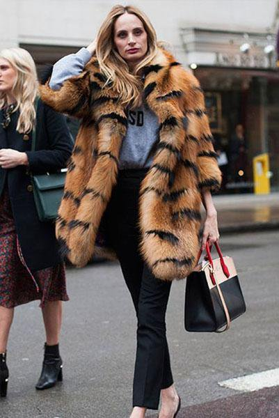 Woman Striped Lapel Fur Coat
