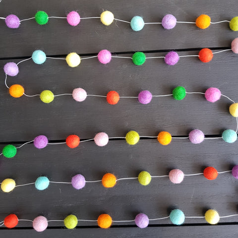 Felt Ball Garland - Cheerful Surprise
