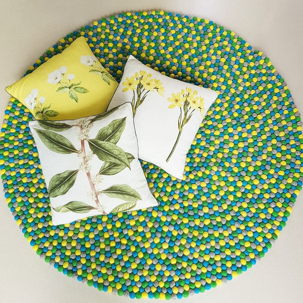 Felt Ball Rug – Daffodil Fields