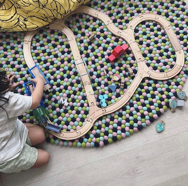 Felt Ball Rug – Dreamy Meadow