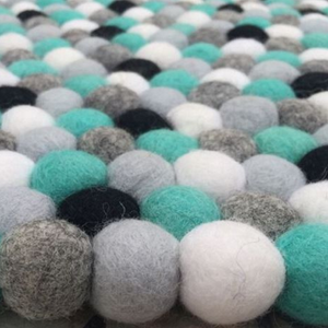 Felt Ball Rug – Pebble Beach