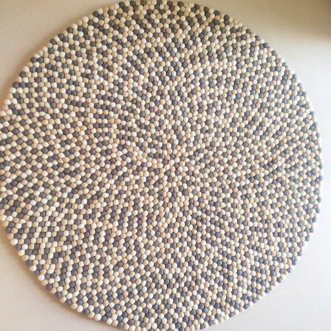 Felt Ball Rug – Scandi Chic