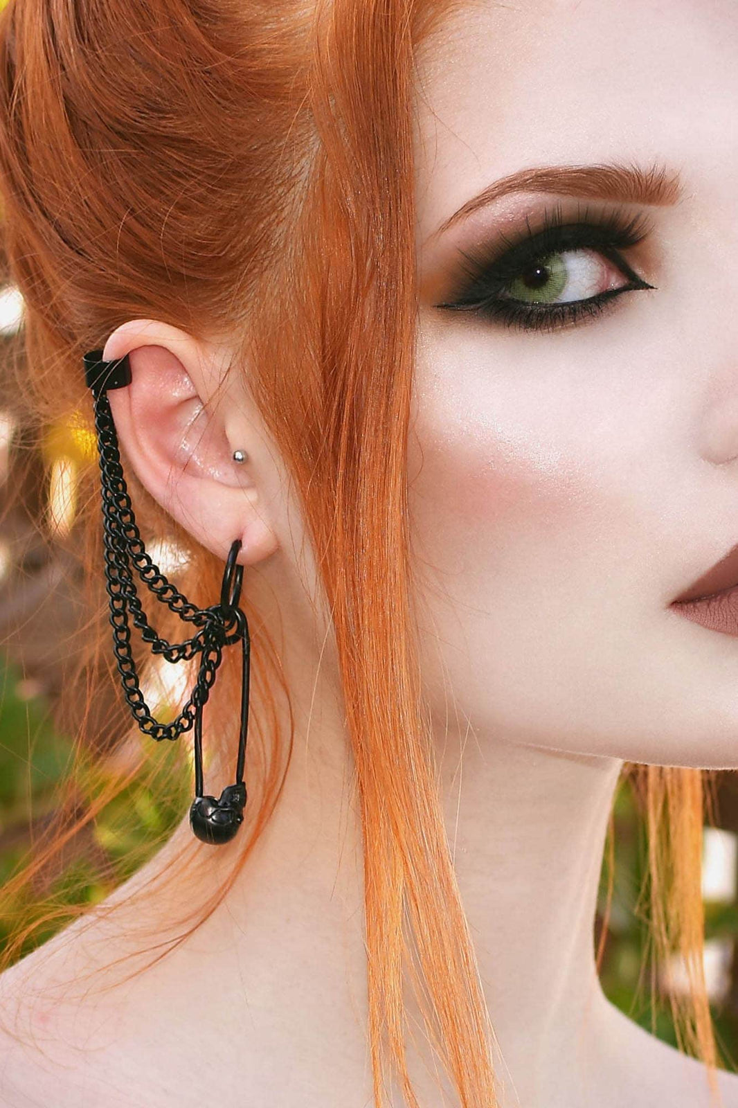Noir Earrings [B]