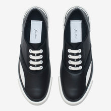 Load image into Gallery viewer, Inka Sneaker Black - Low sole