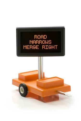 Road Narrows Merge Right  O Scale