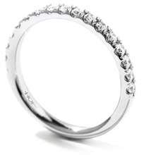 Load image into Gallery viewer, HEARTS ON FIRE ACCLAIM BAND - M&R Jewelers