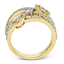 Load image into Gallery viewer, 18K YELLOW & WHITE GOLD, WITH WHITE DIAMONDS. LR2304 - RIGHT HAND RING
