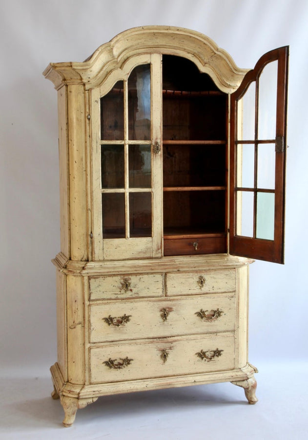 18th Century Gustavian Yellow Swedish Display Cabinet