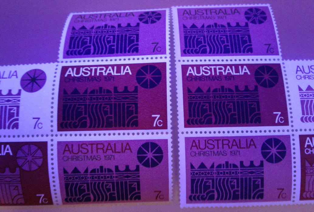 Australia #508 (SG#508) 1971 Christmas Issue, a VFNH Block of 7 on HF/Dull Paper