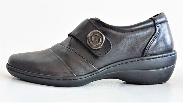 Cabello 5215-21 Black Leather Orthotic Friendly Flat Shoe - THIS IS THE LAST PAIR - SIZE 36 (AU 5 TO 5.5)