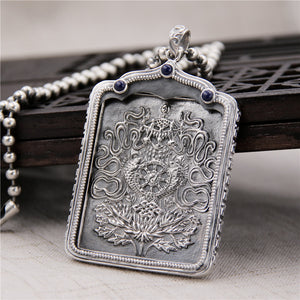 Stunning 925 Sterling Silver and Lapis Thai Silver Pendant Necklace. Women's Jewelry