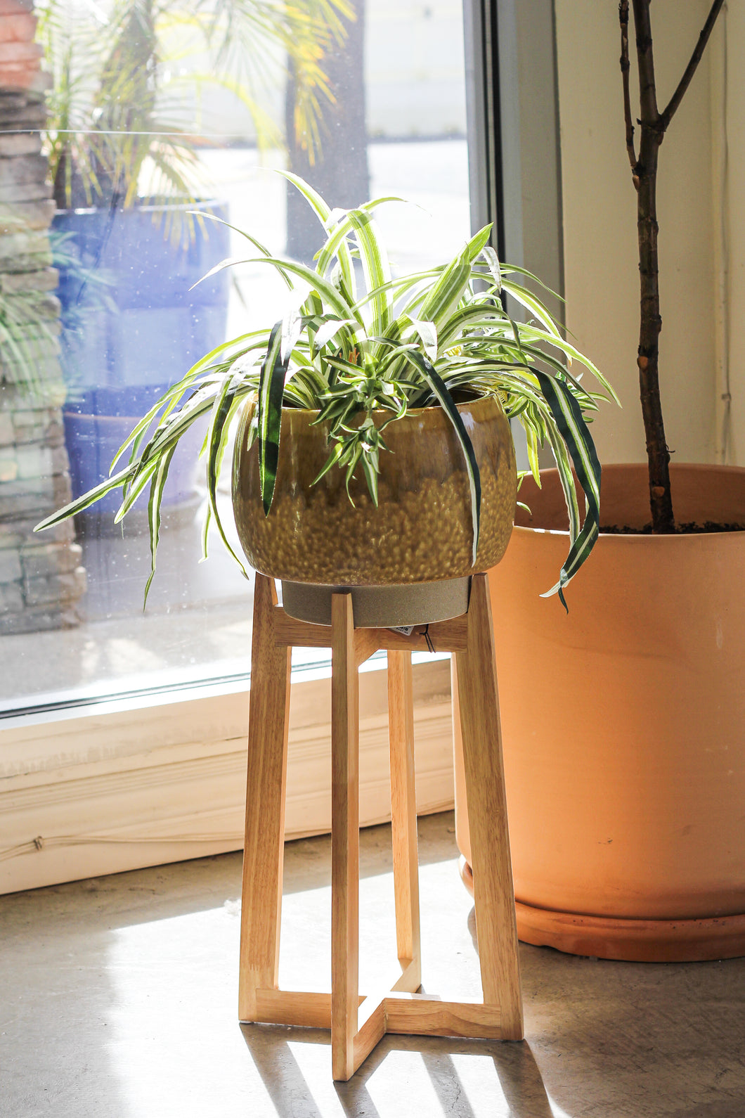 Copy of Creative Co-Op - Stoneware Planter with Wood Stand