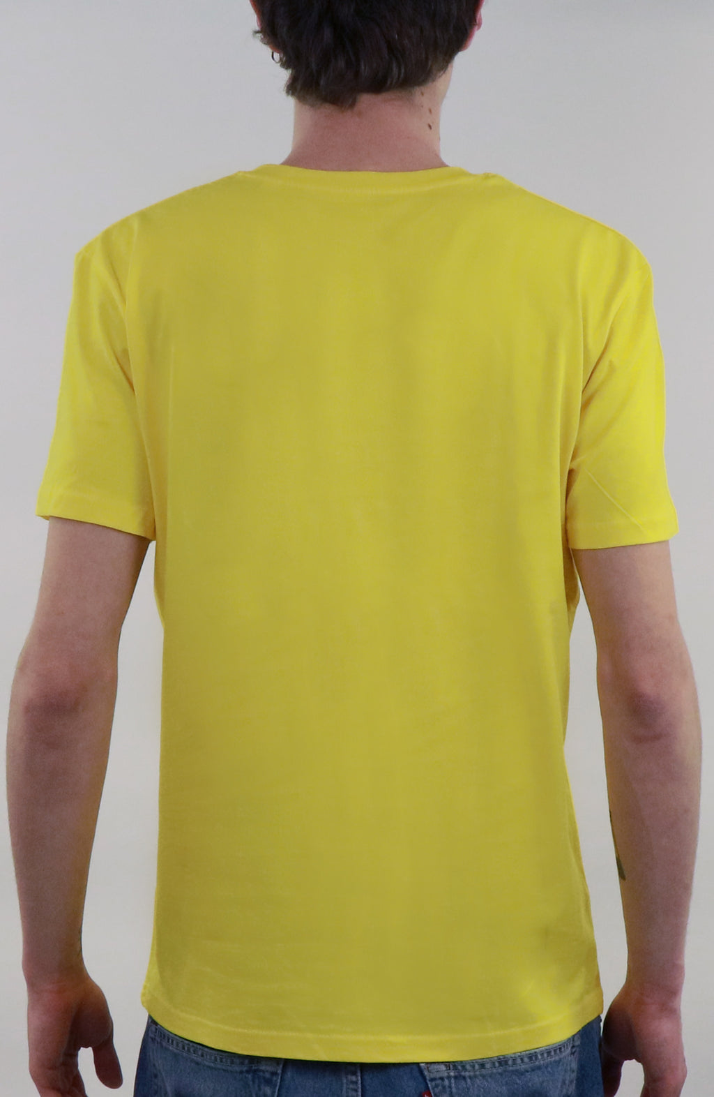 T-Shirt streetwear yellow for man by Farid Rueda