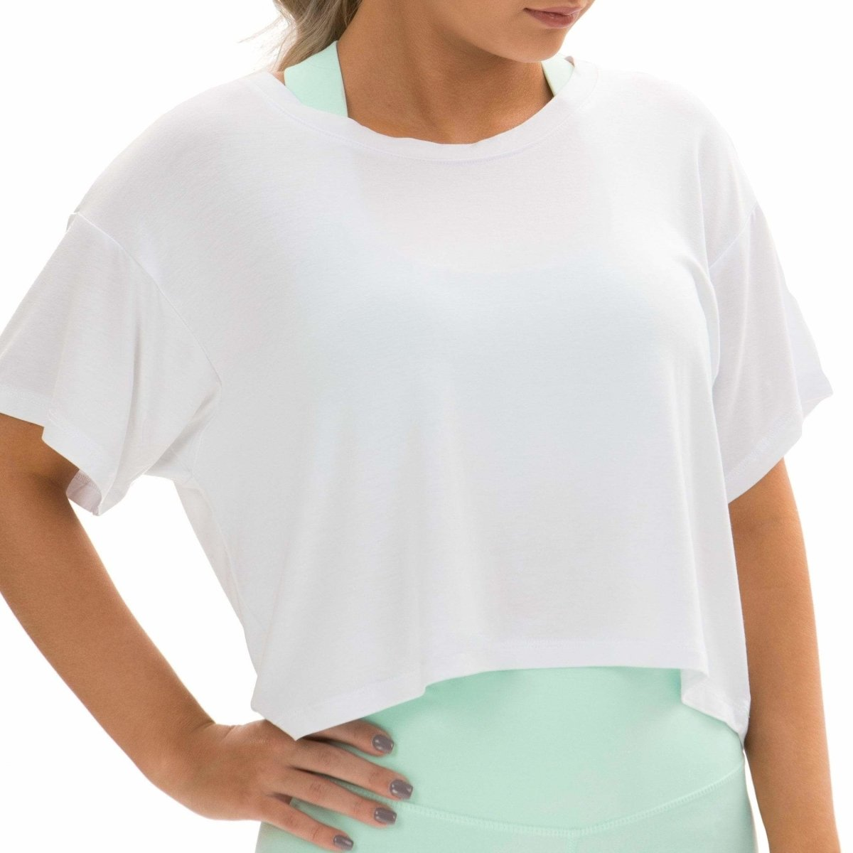 Loose-fit Crop Top in White - Southern Athletica