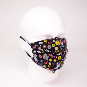 Black Dog Pleated Face Mask