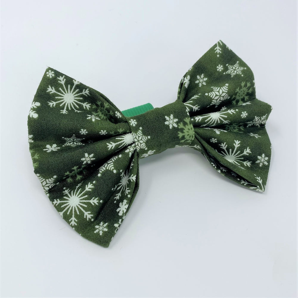 Let It Snow Green Bow