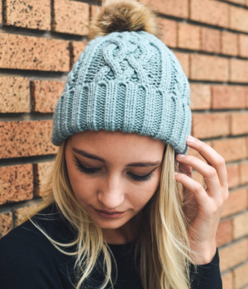 hip light blue cable knit fur pom beanie | Premium Caps
