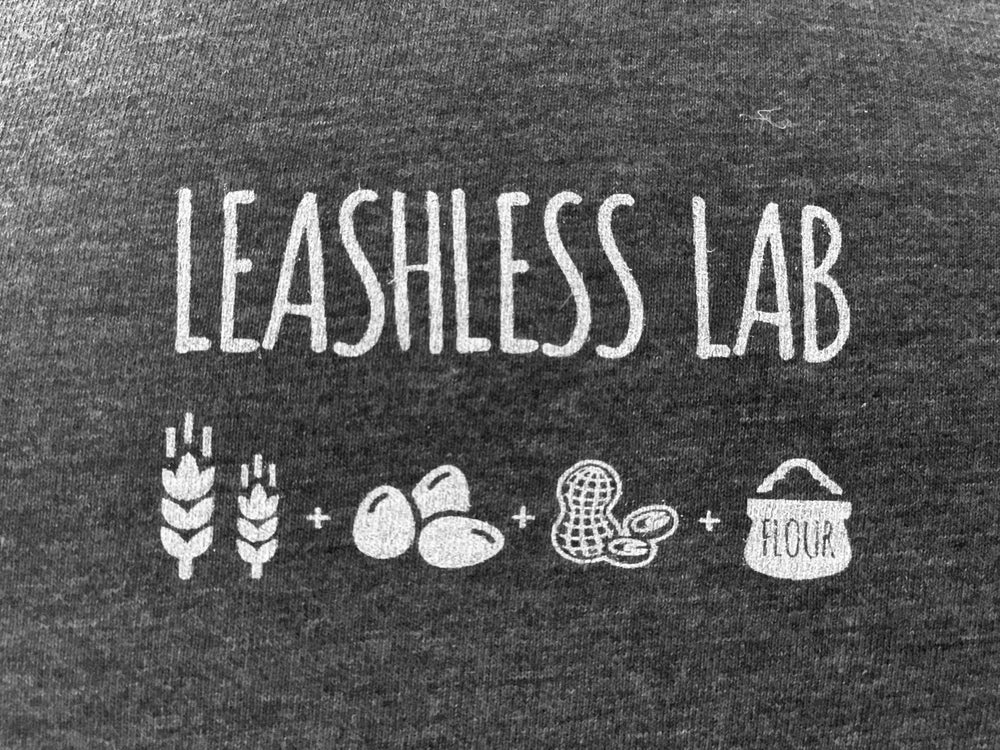 Dog lover t-shirt with Leashless Lab logo.