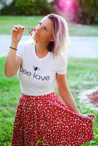 bee love - Women's The Boyfriend Tee