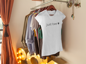 just bee - Women's The Boyfriend Tee