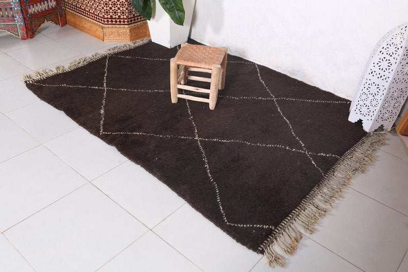 Moroccan rug brown 152 x 208 cm - 5 ft x 6.8 ft - Ofrada