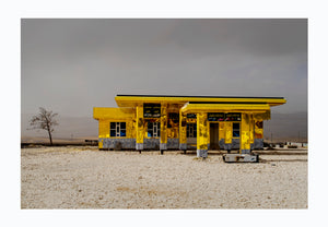 Golden Gas Station in Northern Iraq, 2016 - Photographic print, stamped and signed by Jan Grarup. Printet on Baryta Fine Art 325 gram paper in A2 (59,4 x 42cm)