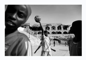 Women playing basketball in Mogadishu, Somalia 2012 - Photographic print, stamped and signed by Jan Grarup. Printet on Baryta Fine Art 325 gram paper in A2 (59,4 x 42cm)