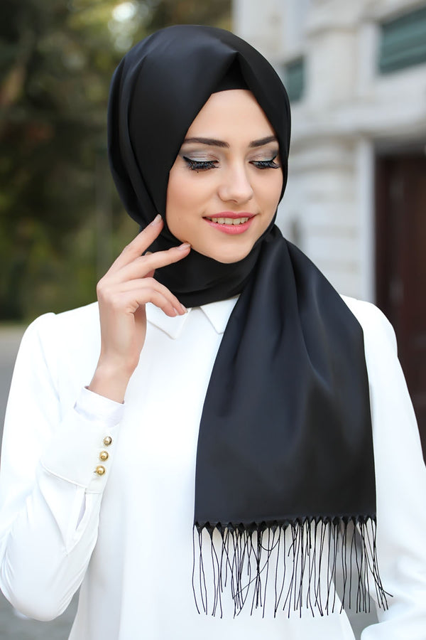 BLACK COTTON HIJAB WITH TASSELS