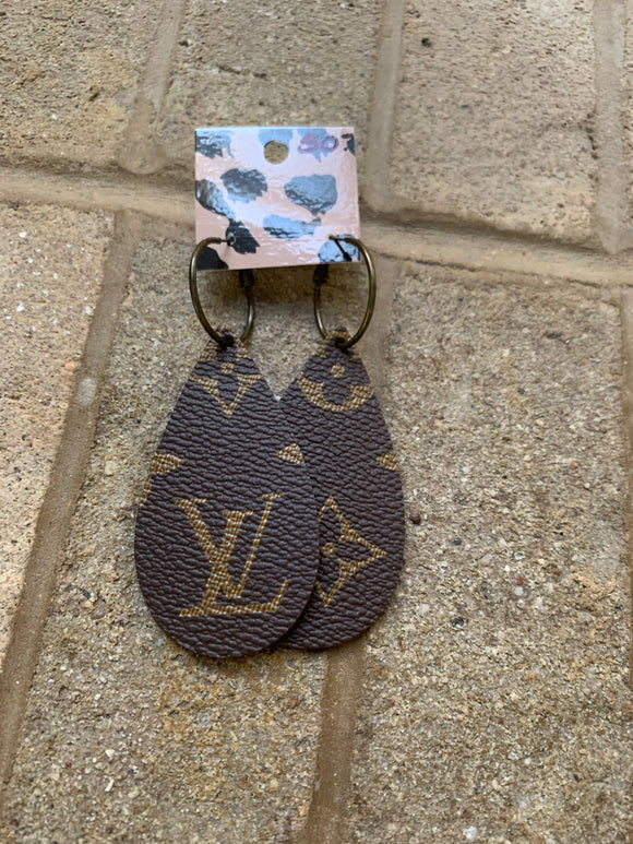 LV  brown earrings