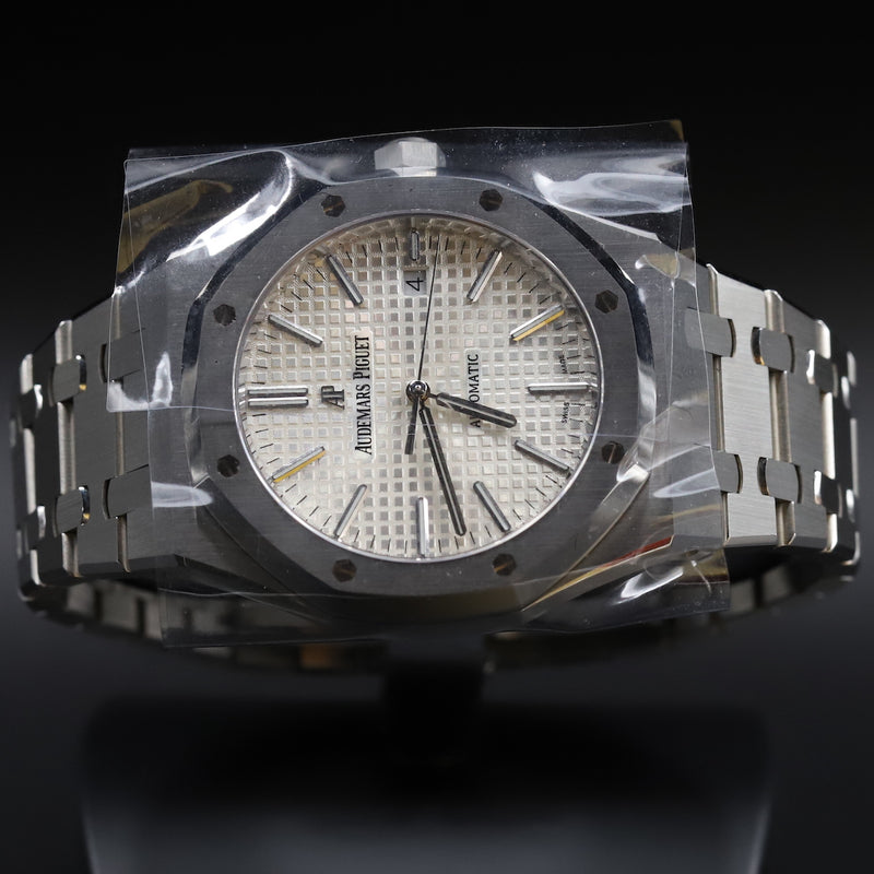 Audemars Piguet 15400ST Royal Oak White Dial