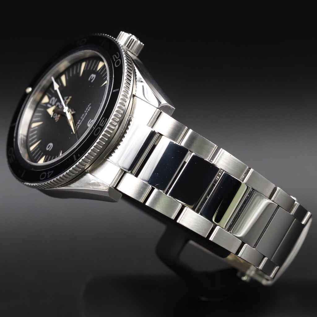 Omega 233.30.41.21.01.001 Seamaster 300 Omega Master Co-Axial 41mm Black Dial