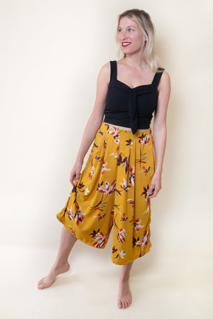 Three Quarter Pants - Yellow with Flowers