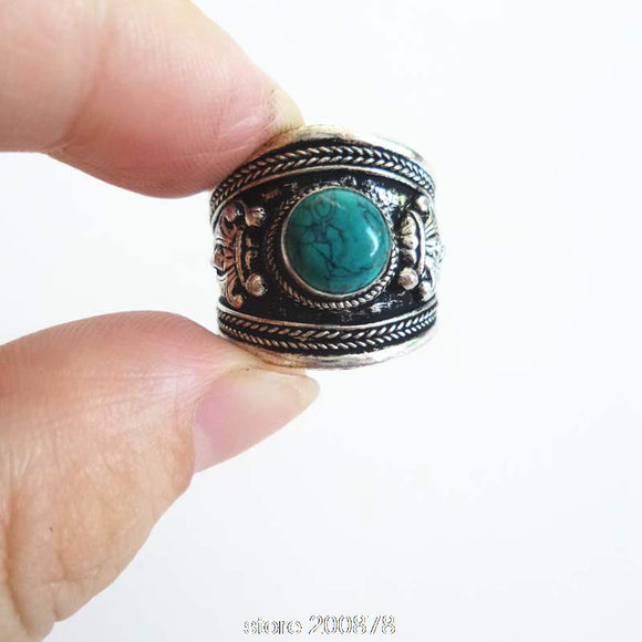 Green Stone Amulet Ring - DromedarShop.com Online Boutique