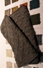 Load image into Gallery viewer, Alpaca Fingerless Mitts
