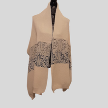 Load image into Gallery viewer, Alpaca Shawl Natural Perl