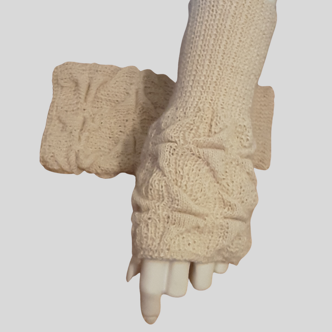 Alpaca High Relief mittens