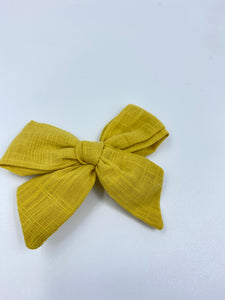FALL DARLING LINEN CLIP