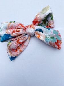 FUN PRINTS DARLING BOW ON CLIP