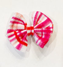 Load image into Gallery viewer, PRINTS DAINTY BUTTERFLY CLIP