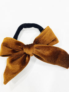 DARLING VELVET BOWS ON BLACK NYLON