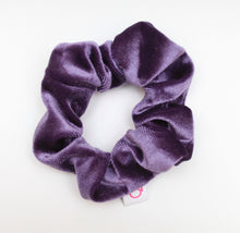 Load image into Gallery viewer, TODDLER VELVET SCRUNCHIE