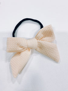 DARLING BOW ON BLACK NYLON