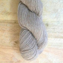 Load image into Gallery viewer, Illimani's Eco-Llama Yarn in Beige