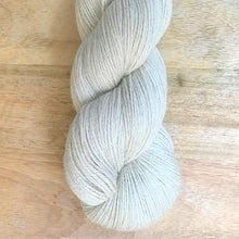 Load image into Gallery viewer, Illimani's Eco-Llama Yarn in Bone