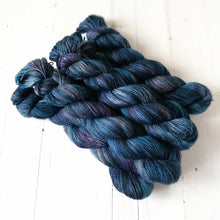 Load image into Gallery viewer, Miss la Motte Lace Merino in Hinterland Midnight