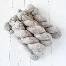 Load image into Gallery viewer, Miss la Motte Lace Merino in Linen
