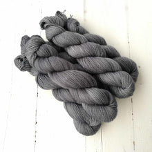 Load image into Gallery viewer, Miss la Motte Lace Merino in Medusa